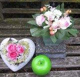 Bloemstuk met kunstbloemen Hortensia/roos pastel_
